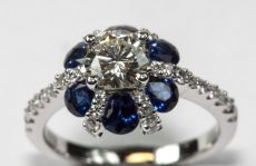 18ct-white-gold-diamond-sapphire-cluster-ring-1