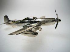 silver-mustang-aeroplane
