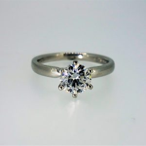 Top-Grade Platinum Single Stone Diamond Ring